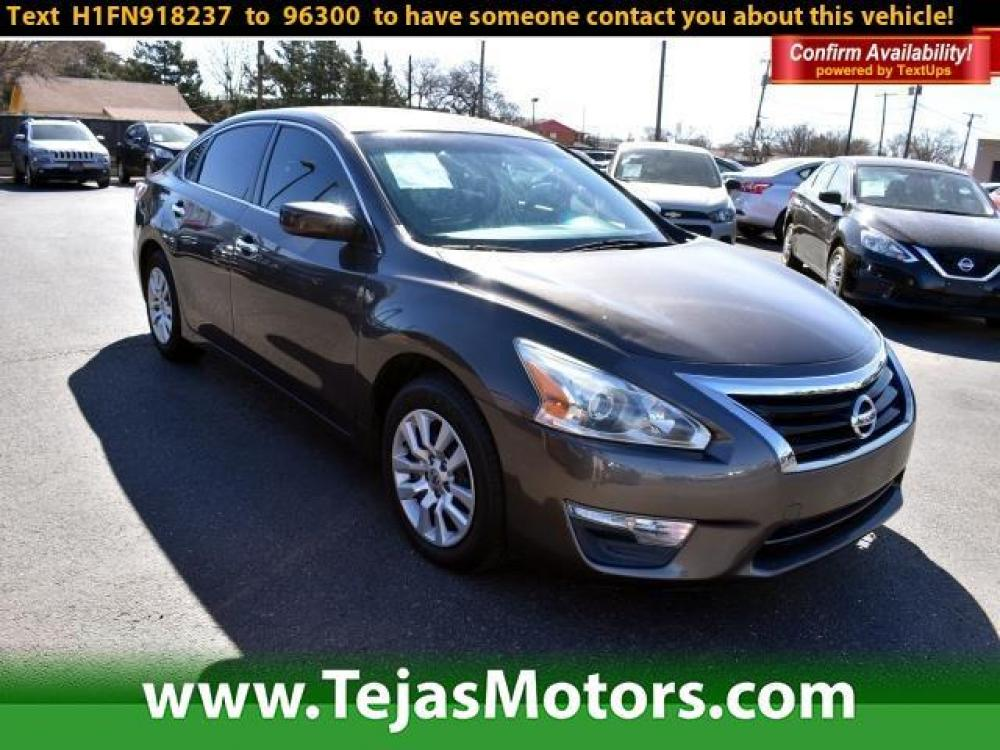 2015 Gun Metallic /Charcoal Nissan Altima 4dr Sdn I4 2.5 S (1N4AL3AP3FN) , Automatic transmission, located at 4110 Avenue Q, Lubbock, 79412, (806) 687-6878, 33.556553, -101.855820 - Photo #0